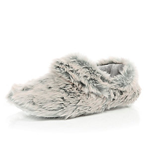 Grey faux-fur boot slippers