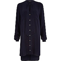 Navy V-neck pussybow shirt dress