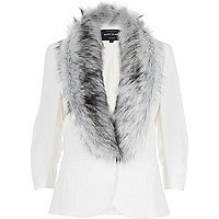 Cream faux fur trim 3/4 sleeve blazer