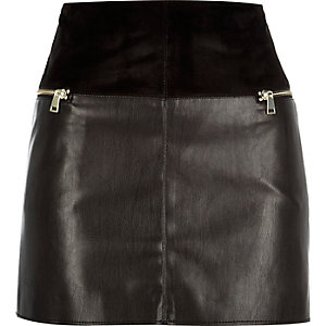 Black leather-look zip side pelmet skirt