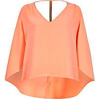 Coral cape chain back t-shirt