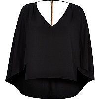 Black cape chain back t-shirt