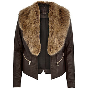 Dark brown croc leather-look fitted jacket
