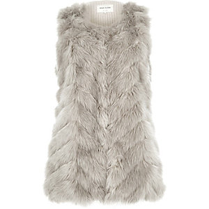 Light grey knit back faux fur gilet