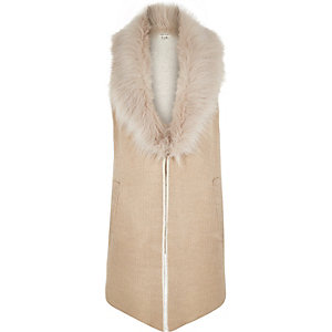 Beige knitted faux fur collar gilet