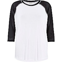 White mesh raglan sleeve t-shirt