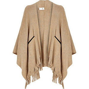 Camel fine knitted fringed cape