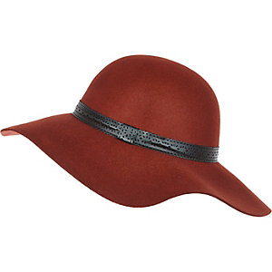 Rust red floppy hat