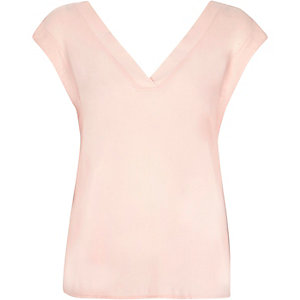Pink V-neck draped back t-shirt