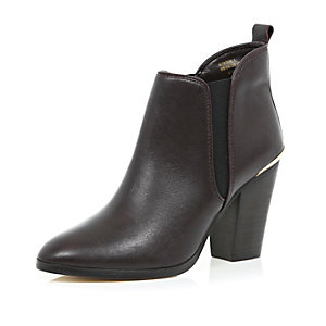 Dark red leather heeled Chelsea ankle boots