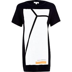 Black large box print oversized t-shirt