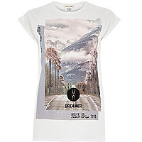 White city escape print fitted t-shirt