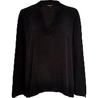 Black crepe V-neck long sleeve top