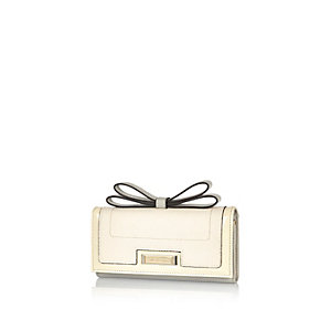 Cream bow clip top purse
