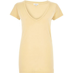 Light yellow V-neck cap sleeve t-shirt