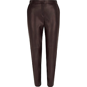 Dark red leather-look slim joggers
