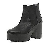 Black chunky heeled Chelsea boots