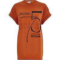 Orange incredible 75 print oversized t-shirt