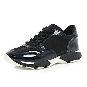 Black chunky runner trainers