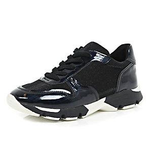 Black chunky runner trainers