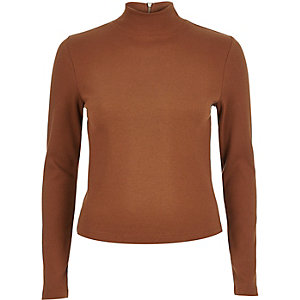 Brown ribbed turtle neck top