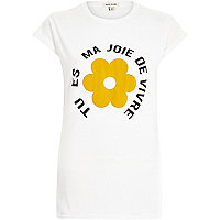 White retro flower print fitted t-shirt