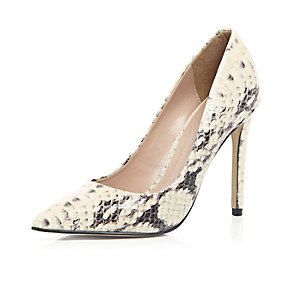 Beige snake print leather court heels