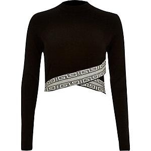 Black knitted pattern hem crop top