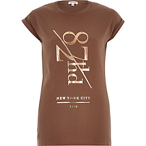 Brown 87th street fitted t-shirt