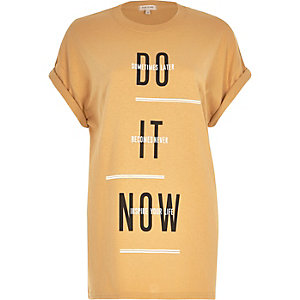 Yellow do it now print oversized t-shirt