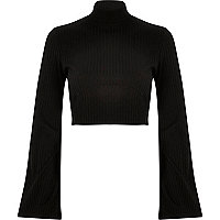 Black ribbed bell sleeve crop top