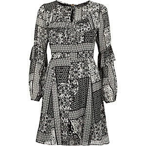 Black print frill sleeve dress