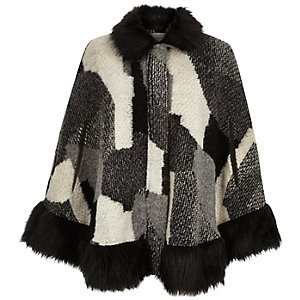 Black patchwork faux-fur trim cape