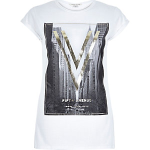 White foil print 5th Avenue fitted t-shirt