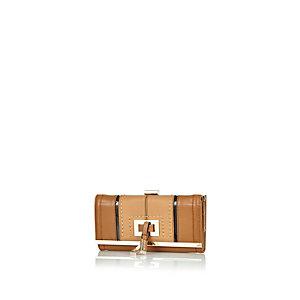 Beige tassel front purse