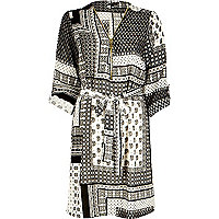 Black tile print zip shirt dress