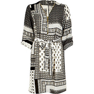 Black tile print zip shirt dress