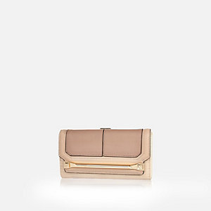 Cream bar front purse