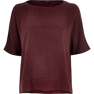 Dark red lightweight chiffon hem t-shirt