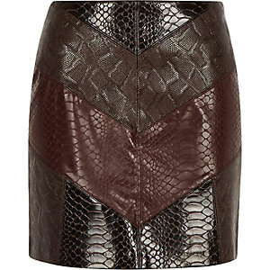 Red chevron snake print mini skirt