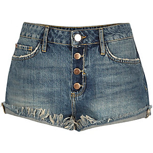 Mid wash frayed hem Ruby denim shorts