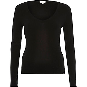 Black slim V-neck top