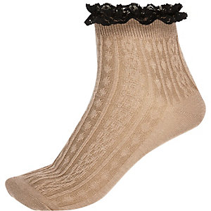 Brown frilly ankle socks