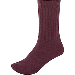 Dark red ribbed ankle socks