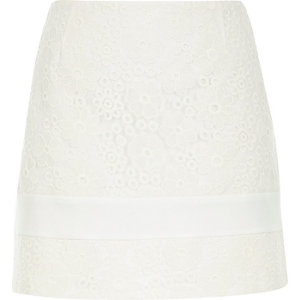 White lace pelmet skirt