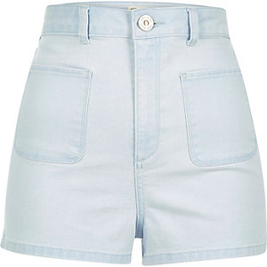Light wash patch pocket denim shorts