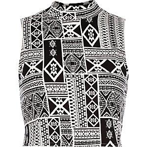 Black tribal print fitted crop top