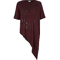 Red runway print asymmetric t-shirt