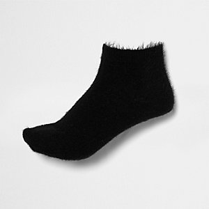 Black fluffy ankle socks