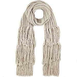 Cream chunky knitted tassel scarf